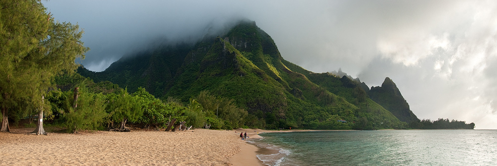 Tunnels beach on Kauai